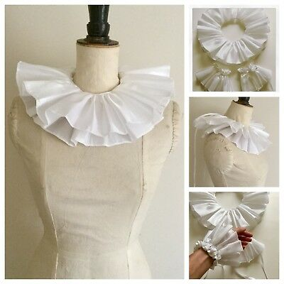 White taffeta circus neck ruff and cuffs set, pierrot clown, Burlesque costume.