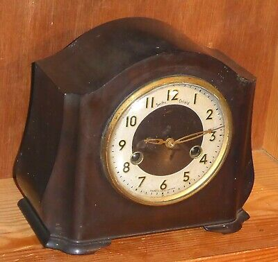 Art Deco Smiths Enfield bakelite cased pendulum driven chiming mantel clock, GWO