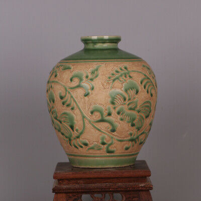 Chinese ancient antique hand make Green glaze  vase Porcelain decoration