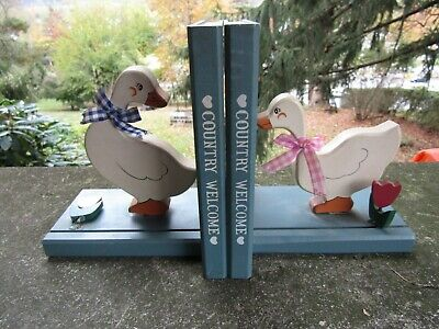 2 x Vintage Wooden Country Welcome Geese Bookends- Kitchen Cookbook ~6.75 x 8.0""