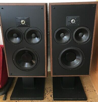Polk 10 B Monitor Speakers in Excellent Condition - Original owner with stands