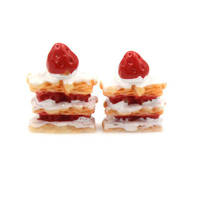 2X Miniature Artificial Strawberryiuesin Cake Dolls House Miniature Food 1/12 JD