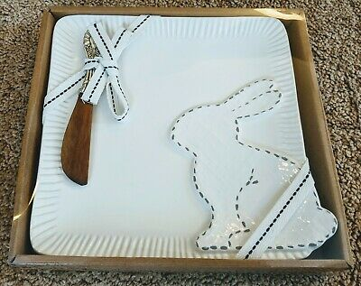 Mud pie platter Bunny With Oval Knife