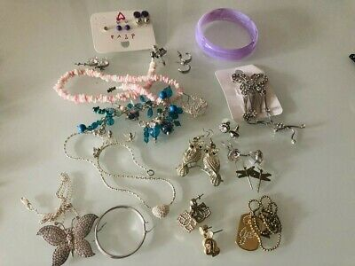 Large lot of old fashion jewellery earrings, bangle necklace + spring collection