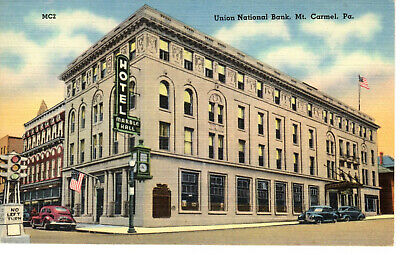 Union National Bank - Mt Carmel PA - Old Cars 1940's - Old Postcard