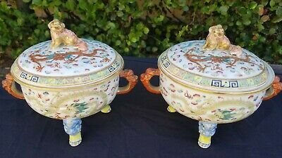 Antique Chinese Pair Of Porcelain Lidded Tripod Warming Bowls Pots With Dragons