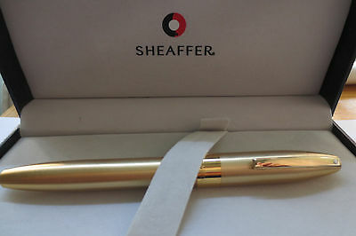 Mint Sheaffer Legacy Heritage Brushed Gold fountain pen