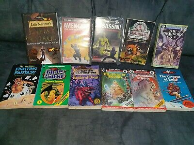 Lone Wolf Fighting Fantasy Book knights of doom Lot Collectible RARE OOP #18