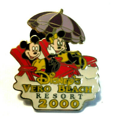 Disney Pin #30-Mickey & Minnie Mouse Relaxing at Disney's Vero Beach Resort 2000