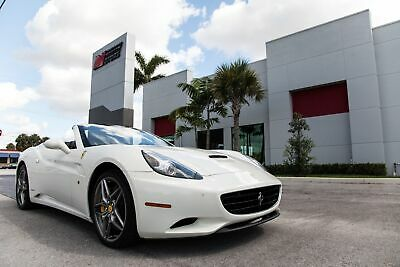 2013 Ferrari California -- 2013 CALIFORNIA - SOUTHERN CAR - REVERSE CAM - CARBON STEERING WHEEL W/LED