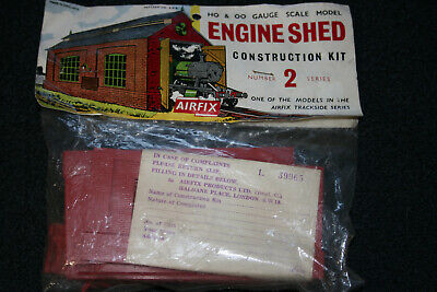 Airfix Type 2 Header Engine Shed HO/OO scale model kit 208.