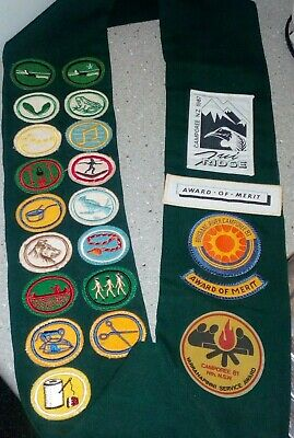 Vintage Aust. Girl Scouts Assoc. Sash Over 20 Patches Awards Camporee 1981 1983