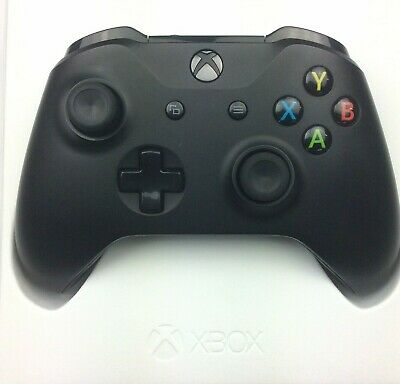 Official Microsoft Xbox One Wireless Controller - Black 1708(V2) With 3.5mm Jack