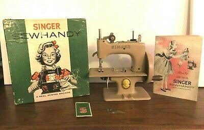 Singer Sewhandy Model No. 20 Sewing Machine Toy Child Vintage 1950s Box & Manual