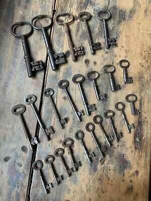 ANTIQUE Victorian steel & iron keys job lot of 22 ,door, safe & box hand forged