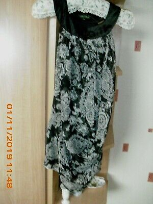 Maternity top  lined Blk / white  size M