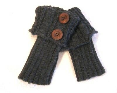 Womens Gray Cable Knit Brown Button Cuffed Fingerless Gloves Mittens One Size
