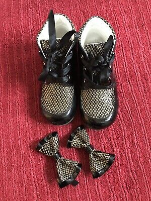 Girls Huntleys Boots With Matching Hair Bows Size 6
