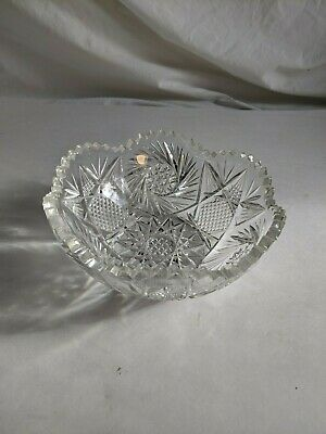 Crystal Glass Bowl with star pattern and Saw tooth Edge