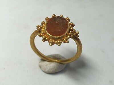 Late Roman Gold Ring with Intaglio 3rd, 4th Century AD