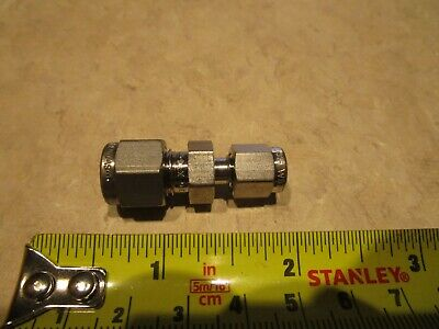 "SWAGELOK SS-400-6-2, 316SS REDUCING UNION 1/4"" TUBE OD x 1/8"" TUBE OD"