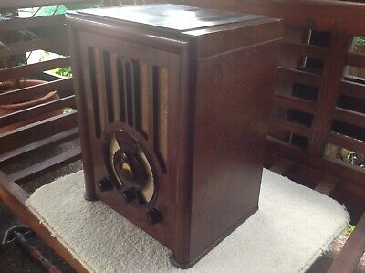 Antique Vintage Tube Valve Radio