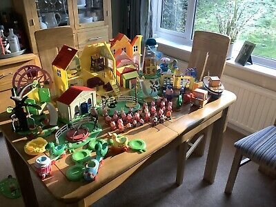 Large Peppa Pig bundle house, playground, school house, treehouse, figures +more