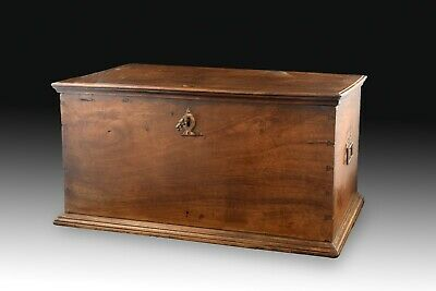 Walnut and wrought iron chest. Spain, 17th century.
