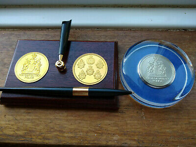 Metropolitan Police Medal / Crest Paper Weight And Desk Tidy