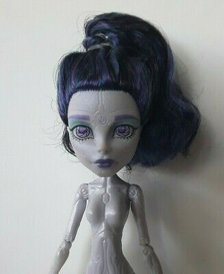 ELLE EEDEE Boo York Monster High Doll Excellent used condition