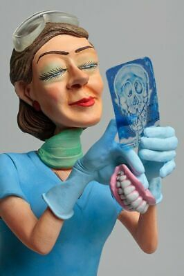 Fo85534    Figurine Metier Madame  Dentiste Collection Forchino Exceptionelle