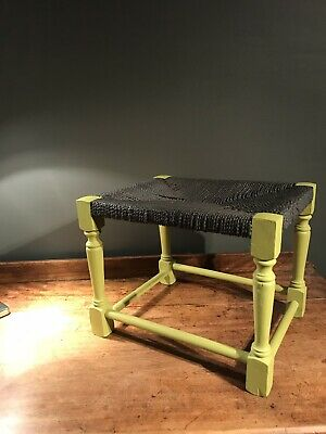 Retro Wooden Rush Stool-seat-poof-quirky-Vintage-style-seating-Fashionable