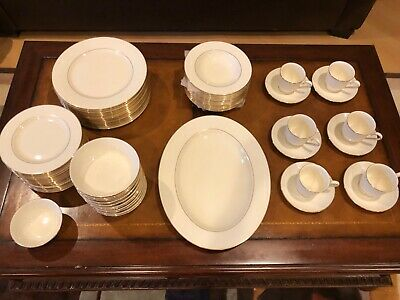 Lenox china set Courtyard Gold 24k gold time USA 67-piece gently used