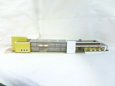 HO 00 OO gauge modern station building 2 sections could use as shopping centre
