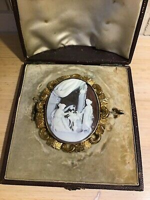 Antique fine gold large shell cameo brooch 19th century