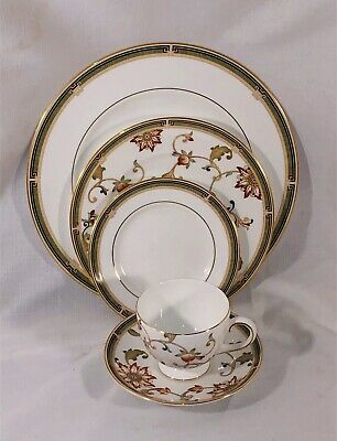 Wedgwood Oberon 5 Pc Set Dinner Plate Cup Saucer Salad B&B Made In England 1993