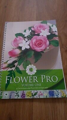 Katy Sue Designs Flower Pro book volume 1