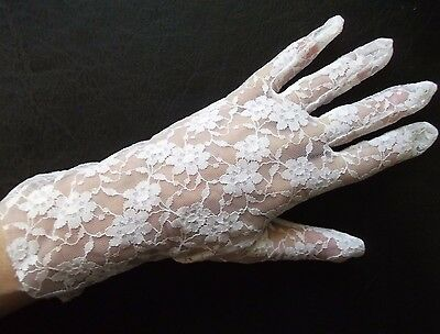 Gloves WOMENS Vintage Retro 1960s 1970s LACEY NET WHITE