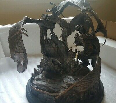 "Lord Of The Rings: Shadow Of War 12"" Tar-Goroth Balrog Vs. Carnan Mithril Statue"