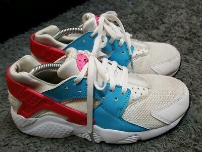 Older Girls White & pink Nike Huarache trainers size 4 fit 3.5 3 no insoles