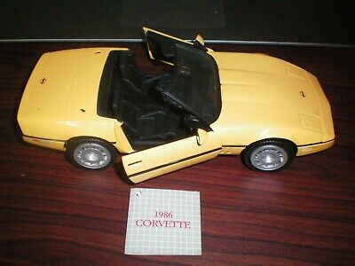 Franklin Mint 1986 Corvette Diecast Model 1:24 w / box
