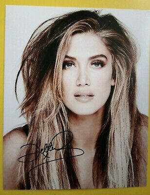 DELTA GOODREM Hand Signed 10 X 8 Photograph Autograph Singer Songwriter Actress