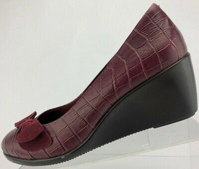 Vionic w// Orthaheel Orthotic Croco Embossed Wedges Black Lena
