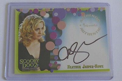SCOOBY DOO ALICIA SILVERSTONE AS HEATHER JASPER HOWE AUTOGRAPH CARD A4 WITH AR-1