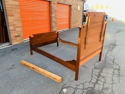Beautiful Antique Eastlake Victorian Style Mahogany Full Size Bed Frame