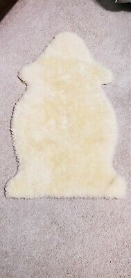 """bowron 100% natural sheepskin 30"""" x 24"""" excellent condition baby care"""