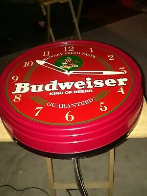 VTG 1996 Budweiser King of Beers Lighted Red Wall Clock - Works!! Great Color !!