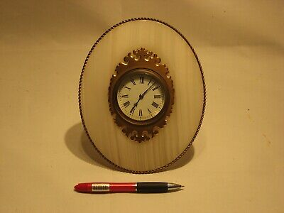 Antique Desk Clock 8 Day Movement Set In Polished Agate With Gilt Fine Mounts