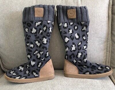 *Victoria's Secret PINK* Grey Leopard Sweater Boots Mukluks size small
