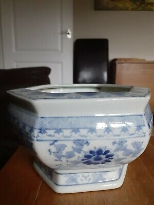 Chinese hexagonal blue & white planter hand painted floral design